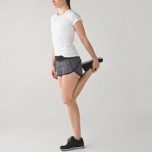 Lululemon Speed Short Dottie Eyelet Black/White 8